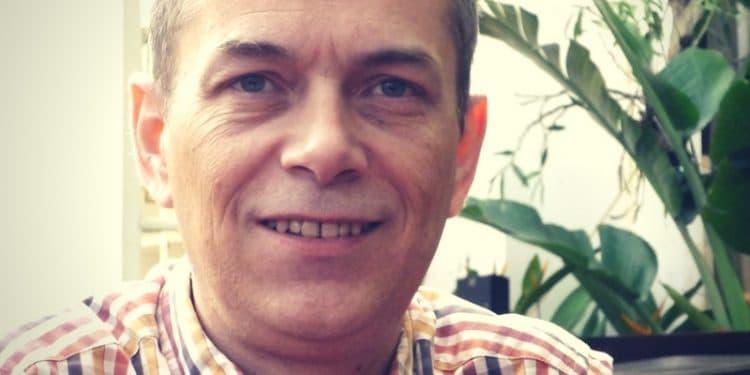 portrait de Stéphane Wattier, auteur de livres pour améliorer votre français